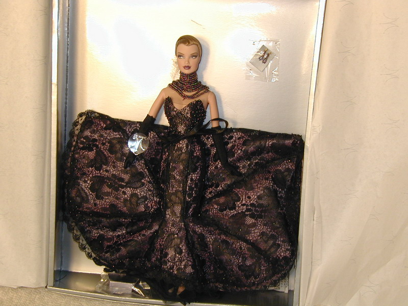 Obama designer jason wu fashion royalty doll premiere for Jason wu fashion designer